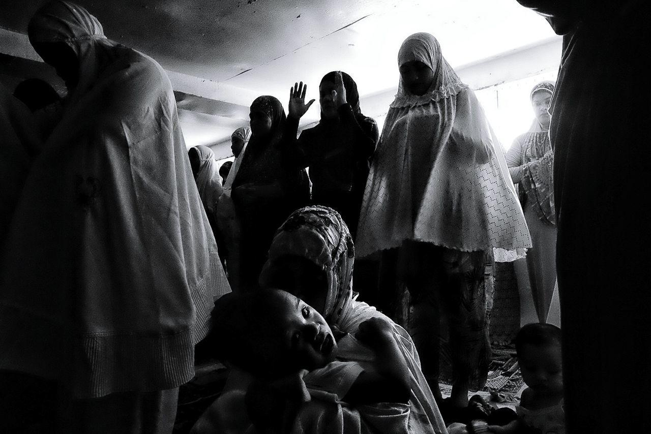 The Photojournalist - 2017 EyeEm Awards Religion Spirituality Women Eyeem Philippines People Philippines Chialvarezsp FilipinoStreetPhotographers
