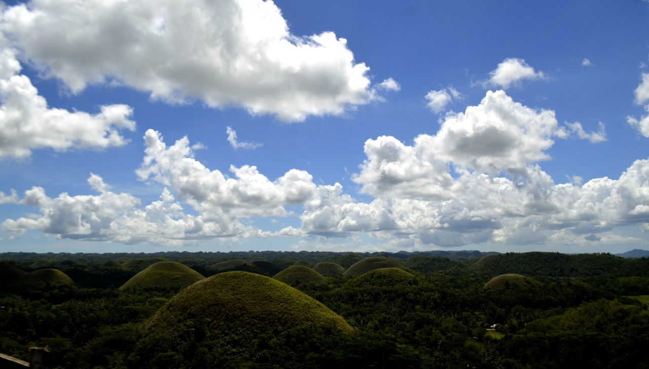 7 wonders of the world. Chocolate Hills. Town of Carmen Bohol Philippines. 7wonders 7wondersoftheworld Nature Nature_collection Nature Photography Nature_ Collection  Nature_collection Nature_perfection Naturelover Naturelovers Naturephotography Sky Sky And Clouds Wonders Wonders Of Creation Wonders Of Nature Wonders Of The World WondersOfNature Wondersoftheworld