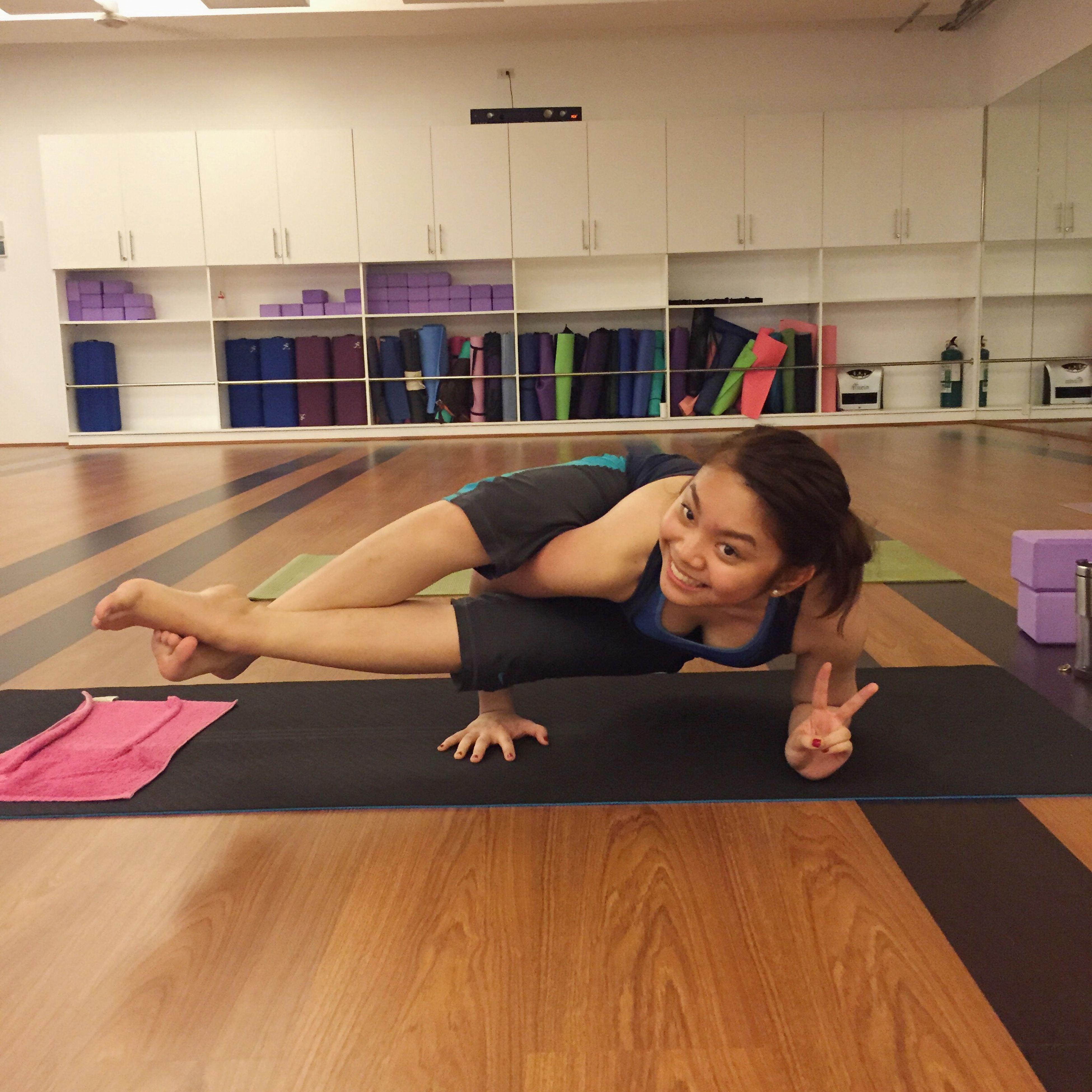 Eight-Angle Pose Astavakrasana Yoga Yogi Armbalance