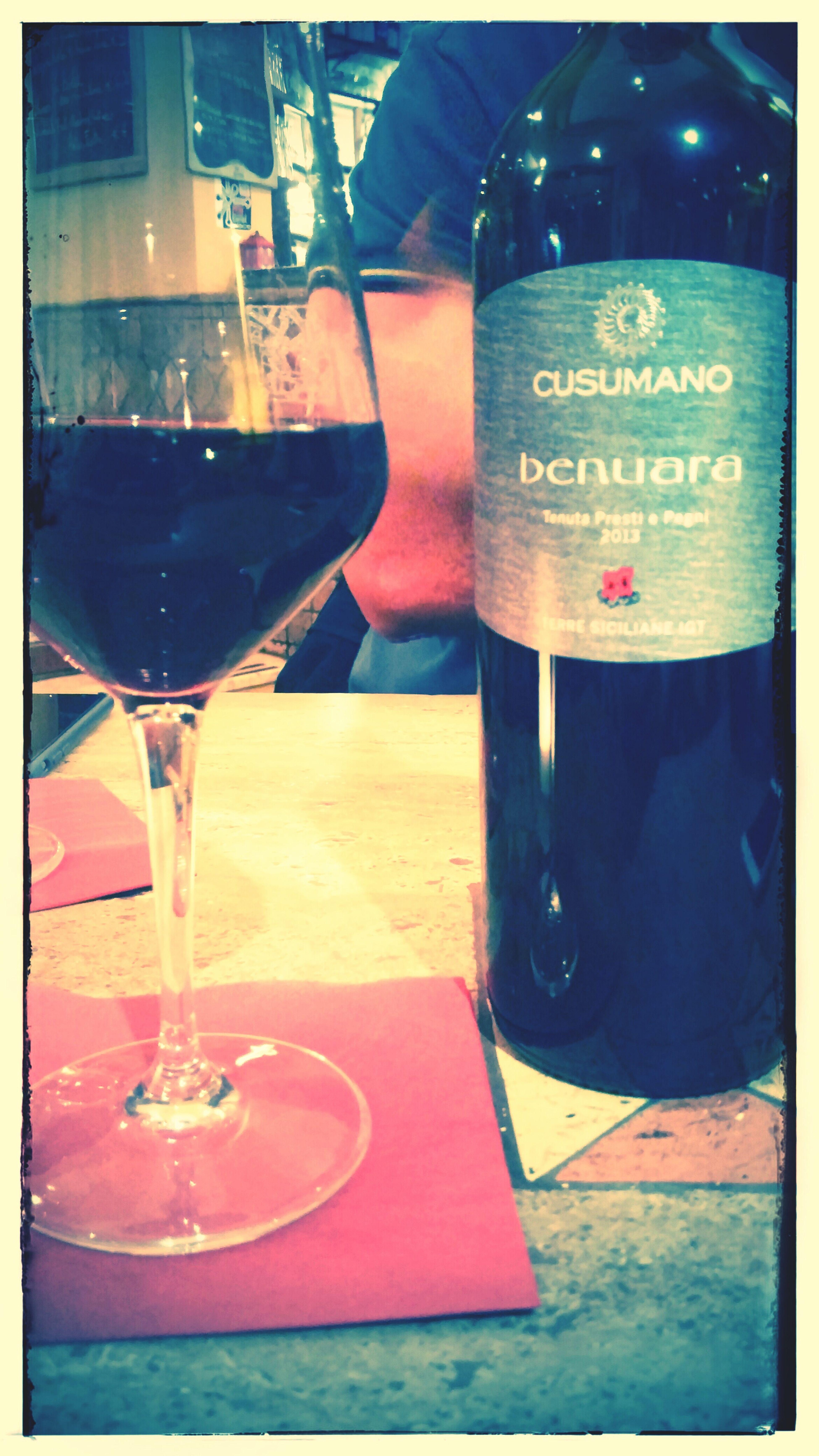 Red Wine Wine Tasting Relaxing Enjoying Life Lesbeauxjourssontlà Getting Inspired Masoeurmeconnaitsibien LaClasseAmericaine Lifeistooshorttodrinkcheapwine Great Atmosphere