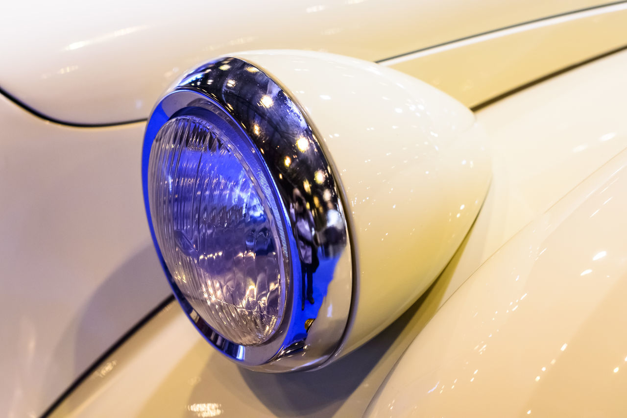 1001 Bodas/Weddings 2016 Automobile Body Part Car Close-up Design Editorial  Head Light Multi Colored Reflection Reflection Rim Shiny White Car