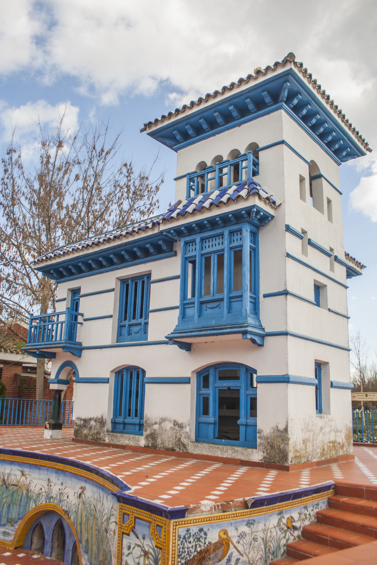 Architecture Balcony Building Exterior Built Structure Ceramic Ceramic Art Ceramic Tiles Ceramics Day España Home No People Outdoors Sky SPAIN Talavera Talavera De La Reina Talavera Pottery Toledo Toledo Spain Tree