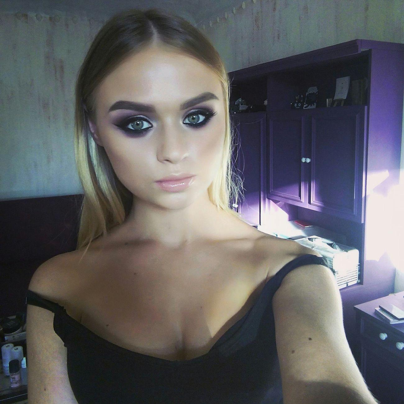 Like4like Hi! That's Me Beauty Selfie ✌ Smokey Eyes Sexygirl Makeupartist Model