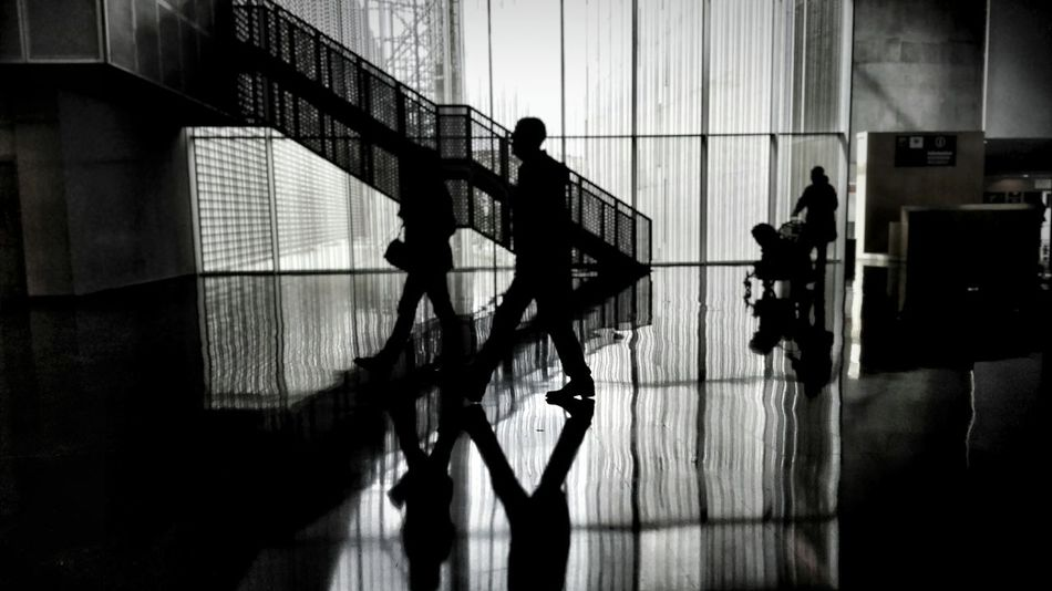 Silhouette Indoors  Architecture Architecture_collection Architecturelovers Taking Photos My Own Style Of Beauty Black And White Black And White Photography People Watching People Photography People And Places Women Photographers Hello World ! Capture The Moment EyeEm Gallery Taking Pictures Urban Landscape Citylife Urban Urbanphotography