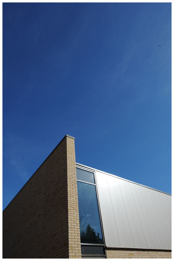 Low Angle View Sky Outdoors Architecture Dundee Scotland Built Structure Light And Shadow Architecture Sunlight Modern Building Education The Harris Academy