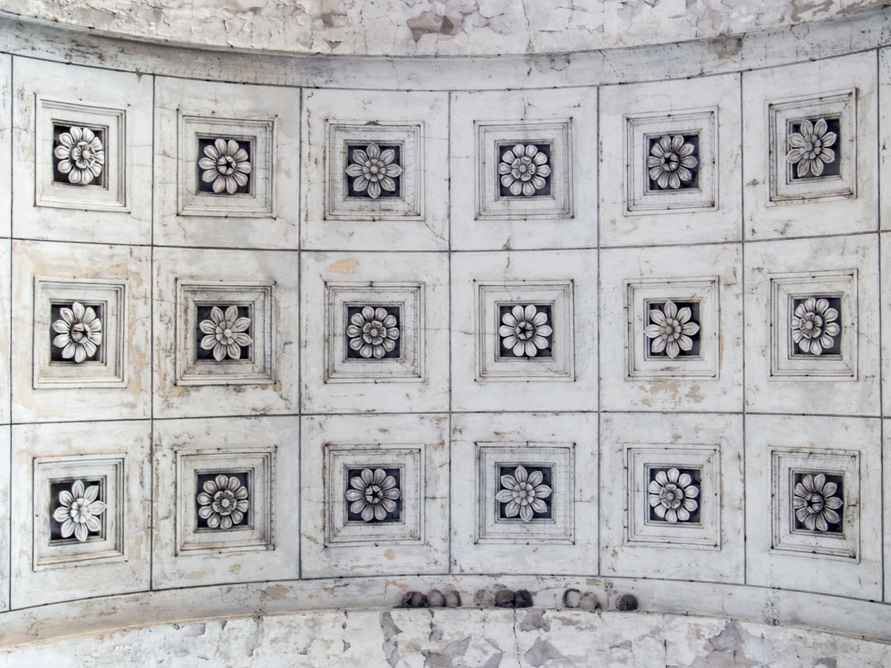 Architecture Ceiling Close-up Day Full Frame Indoors  Marble Monument Multi Colored No People Pattern Plafond Shapes Shapes And Forms Structures & Lines Symmetry Texture Textured  Travel Destinations Up Close Urban Geometry Flowers