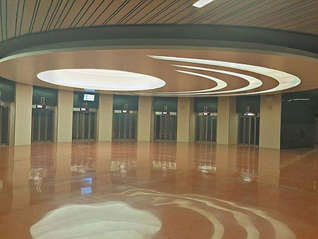 Architecture Arquitectura Arkkitehtuuri Metro Subway L9 Barcelona Barceloona Livelovebarcelona EnjoyBcn Bcnexplorers Bcndreamers Thebarcelonist Ok_catalunya Catalunyaexperience Catalunya Lights Valot Luces Lumières
