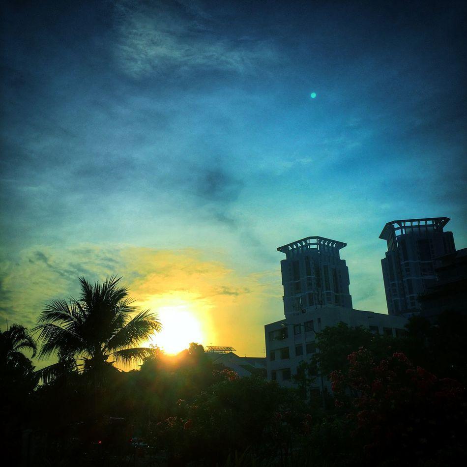 Morning Sunrise In Singapore