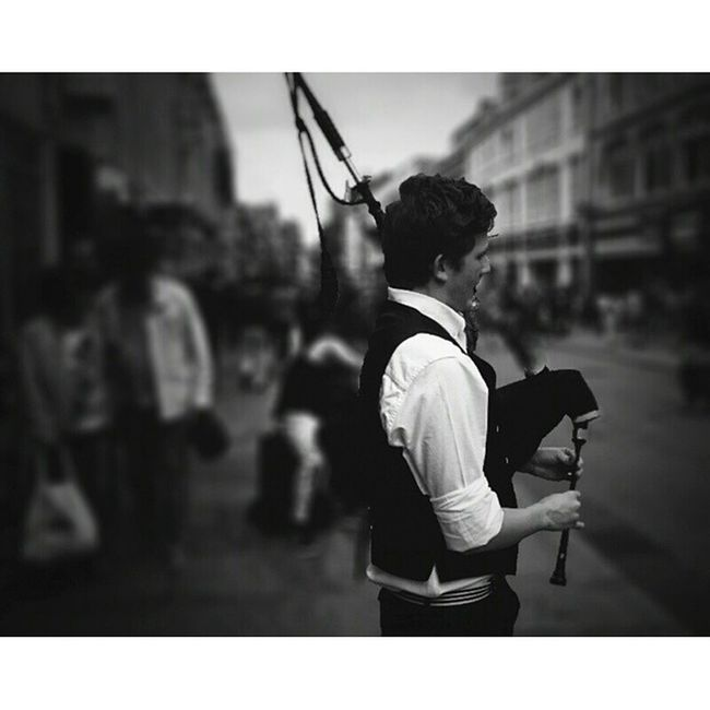 Bagpipe busker.. Oxford Streetshots Streetphotography Capturingbritain_bnw wCapturingBritain Ukpotd Capturingbritain_bw Icu_britain_bw Rebel_bnw Fiftyshades_of_bnw Bw_divine