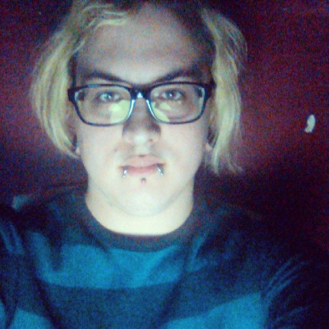 Just sitting on on bed watching videos on YouTube. Guy Tflers Brony Piercing Stretchedlobes Labret Wayfarers Blonde Plugs Snakebites Cbr Captivebeadring Emo Stretchedears Mlp Fim Follow Followme Otaku Kik Me Cute Gauges Guyswithplugs Guyswithstretchedears bodyjewelry evantelico audiencekiller eldritchshy akevantelico91 @TagsForLikes