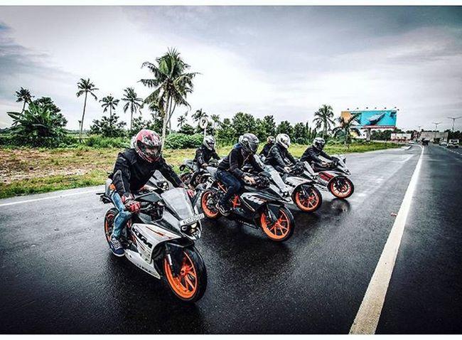 TogeTher We Ride 🏁😍😉😘 RcReiTers😍😘😎 Ktmworld Ktmclub KTMRacing Ktm Baby Bigboystoy Ktmrc390 Ktmrc200 DUKE  Street Race Travel Bikeswithoutlimits Bikestagram SportBikeLife Sportbikeaddicts 😍😙😘😉😊