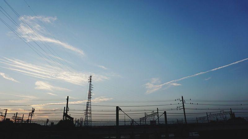 秋の空、秋の夕暮れ。季節を感じる空になりました。 Sky Sky And Clouds Landmark Walking Around Sunset
