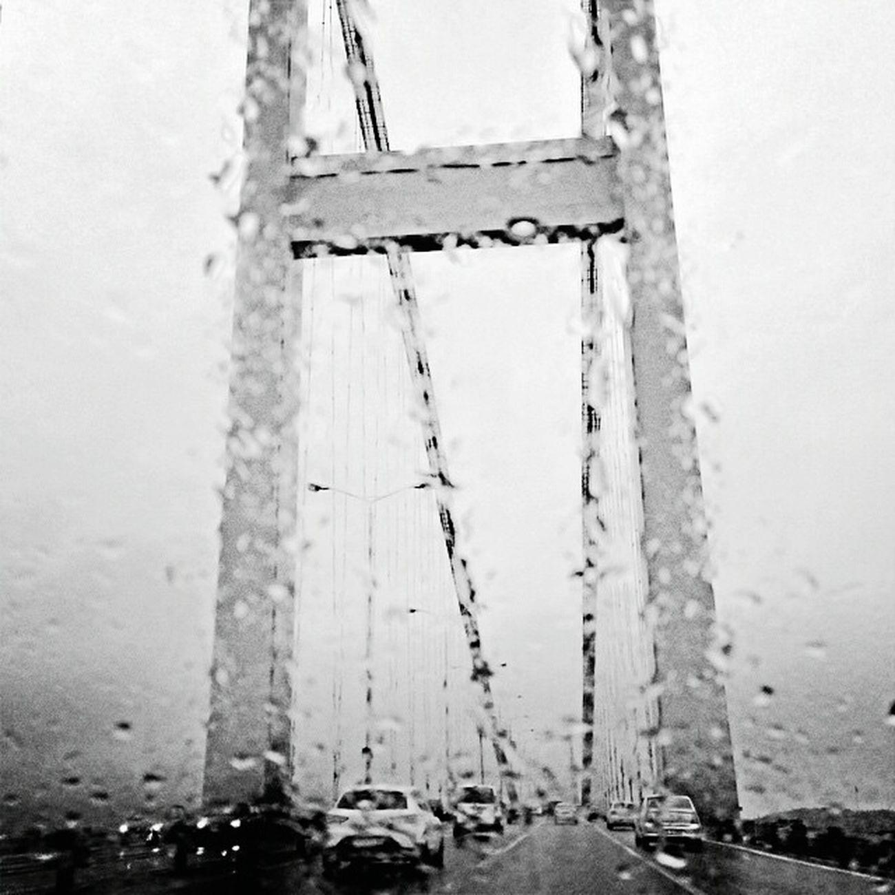Black & White Streetphotography_bw Blackandwhite Black And White Streetphotography Eyemstreetphoto Eyembestshots Blackandwhitephotography Streetphoto_bw Bosphorus Bridge