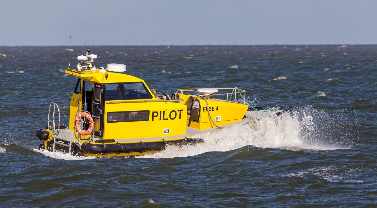 Lotsenboot Pilot Boat Elbe River Lotsenboot Elbe Horizon Over Water Maritime Pilot Nautical Vessel Outdoors Sea Ship Water Waterfront Wave Yellow