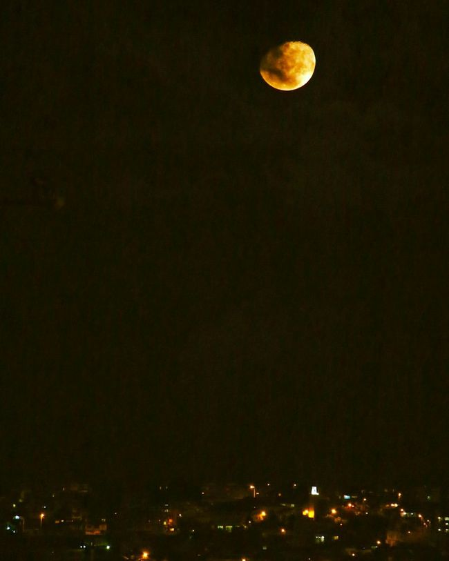 From My Point Of View Yellow Moon EyeEm Nature Lover EyeEm Best Shots Eye4photography  EyeEm EyeEm Gallery EyeEmBestPics so I did say I'll stop being so narcissistic... So here it is, taken just minutes ago Now from My Rooftop Terrace No Challenge Just For Fun The Purist (no Edit, No Filter) Canon M2 I Love My Canon M2 💙 Atmospheric Mood