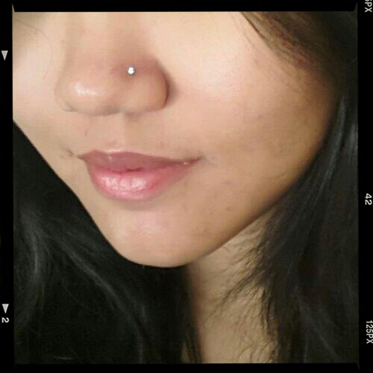 N-pin Nosepin Smile Selfie