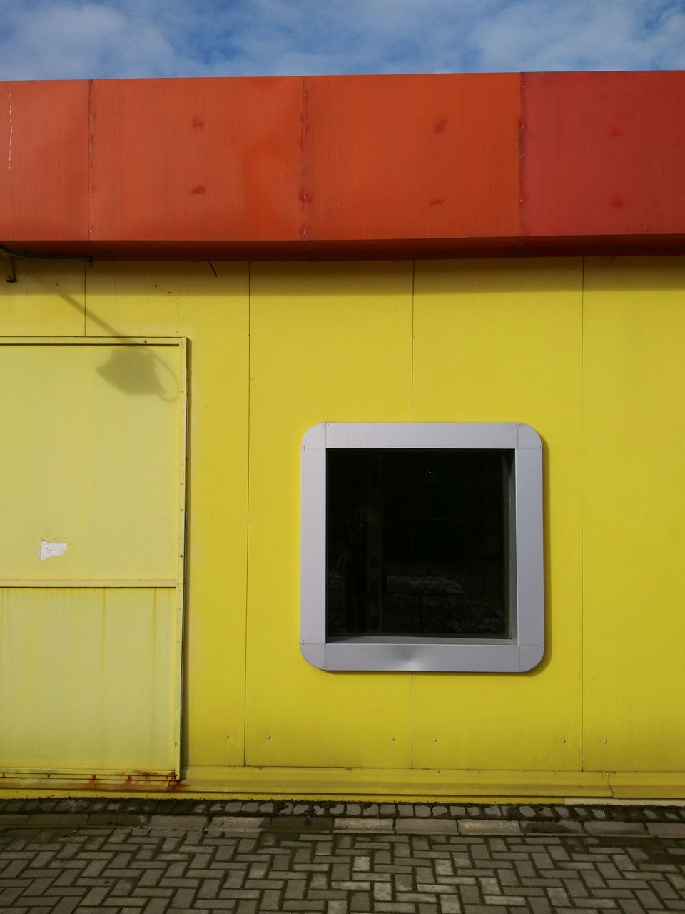 yellow, architecture, built structure, no people, day, outdoors, building exterior, close-up