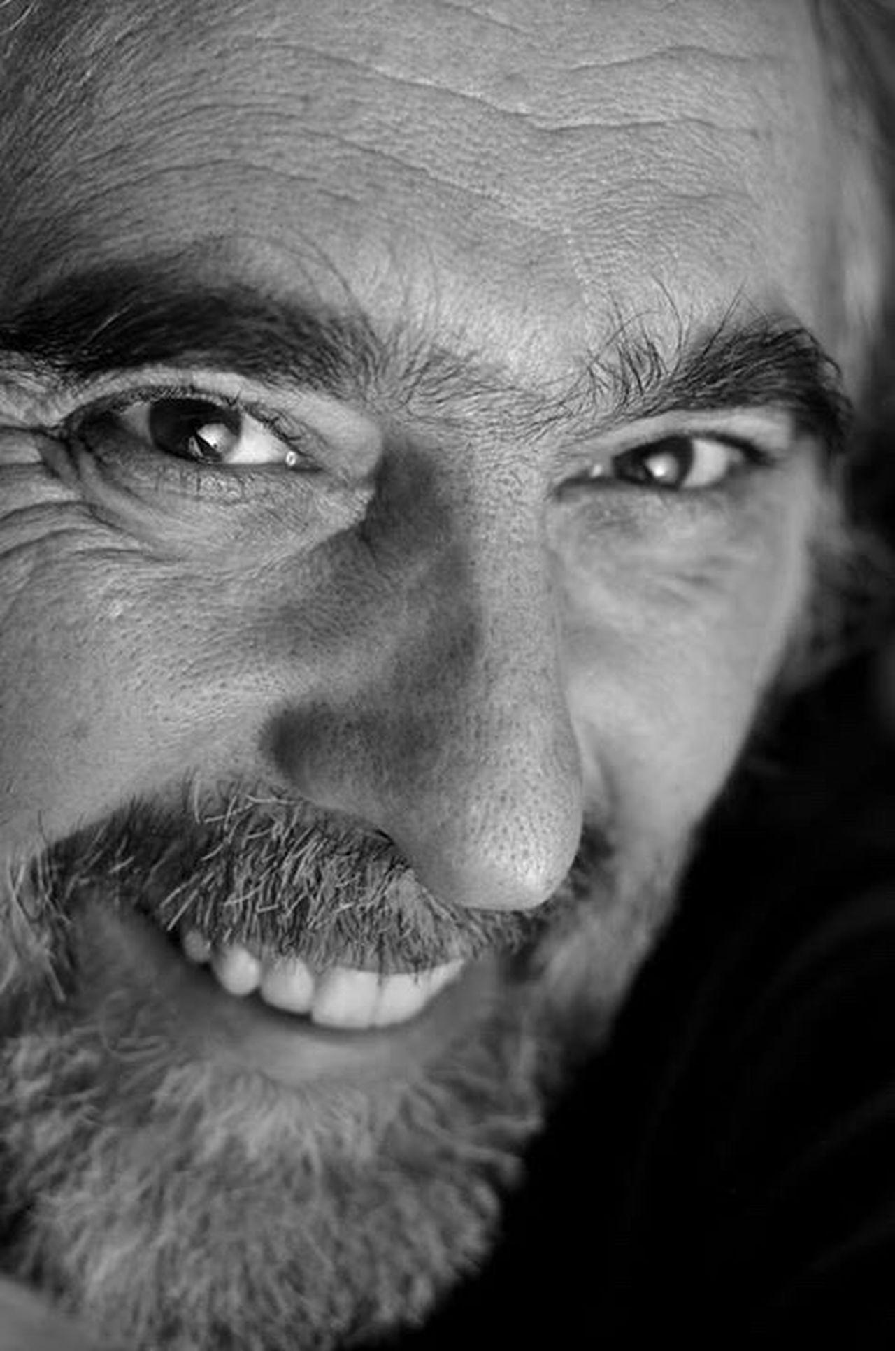 Autoportrait ... Never forget to smile ! Human Face Self Portrait Selfportrait Selfie Portrait Autoportrait Selfie ✌