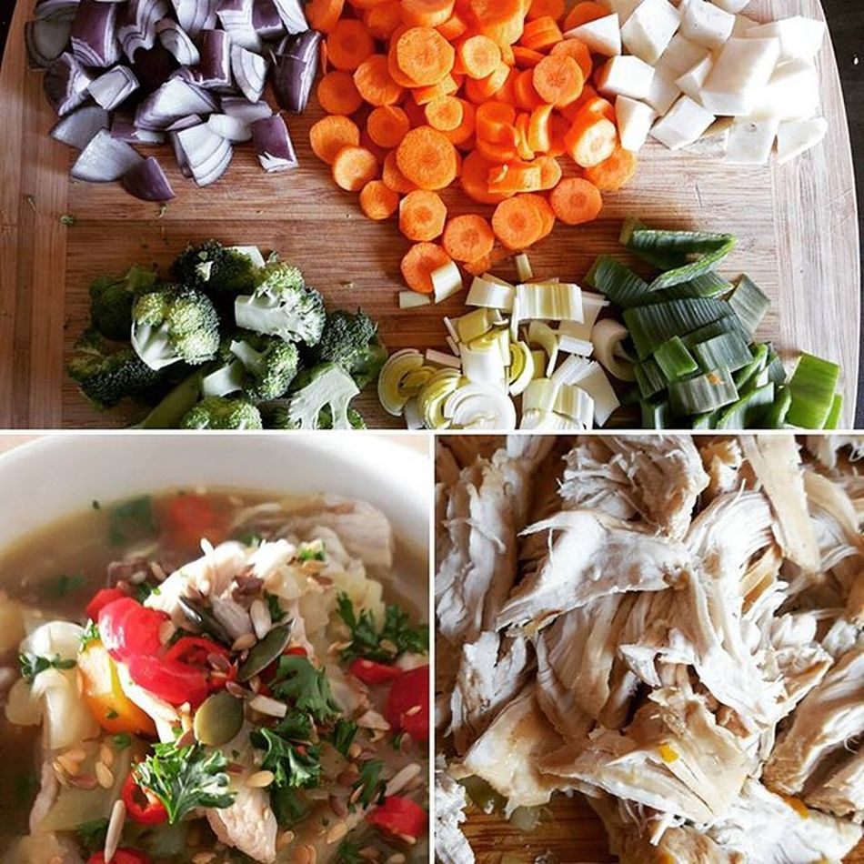 In my latest blog post I wrote about my low carb shredded chicken soup. It's the perfect for the colder days, warms you up ;D Soup Chickensoup Lowcarb Vegetables Chicken Healthychoices Healthyfood Food Foodporn Foodblogger Foodie Blogger_LU Homecooked Homemadefood Homemade Cooking Fitmencook Fitnessfood Yummy Readthisbook Ireadforfun Bookworm Follow Followme Like instadailynewblogpost newblogger bloglife instablogger