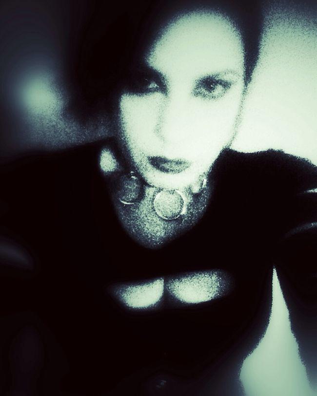 Oggi ci posso salvare solo chitarre ignoranti Darkart Dark Portrait Self Portrait Selfportrait NEM Self OpenEdit Open Edit Selfportrait_tuesday_nonchallenge Monochrome Goth Darkness Vampire Vampires And Werewolves Dark Edit Dark Art