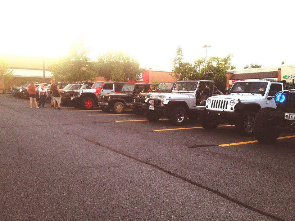 Meet and Greet on Sunday evening, had a blast met some nice people! Jeep Jeep Wrangler  Jeep Cherokee Xj MeetAndGreet Offroad Winchester Va Sevenslotsociety S7S Jeepbeef