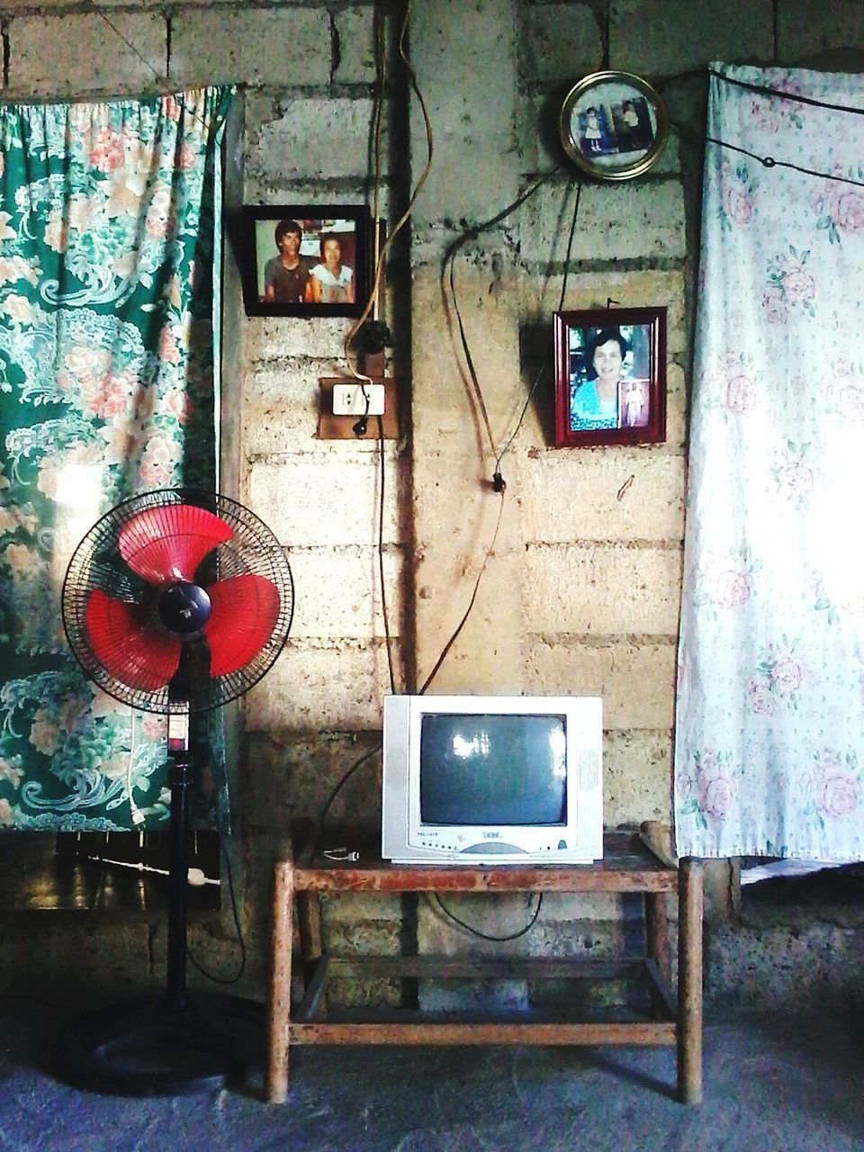abandoned, indoors, technology, no people, architecture, day, close-up