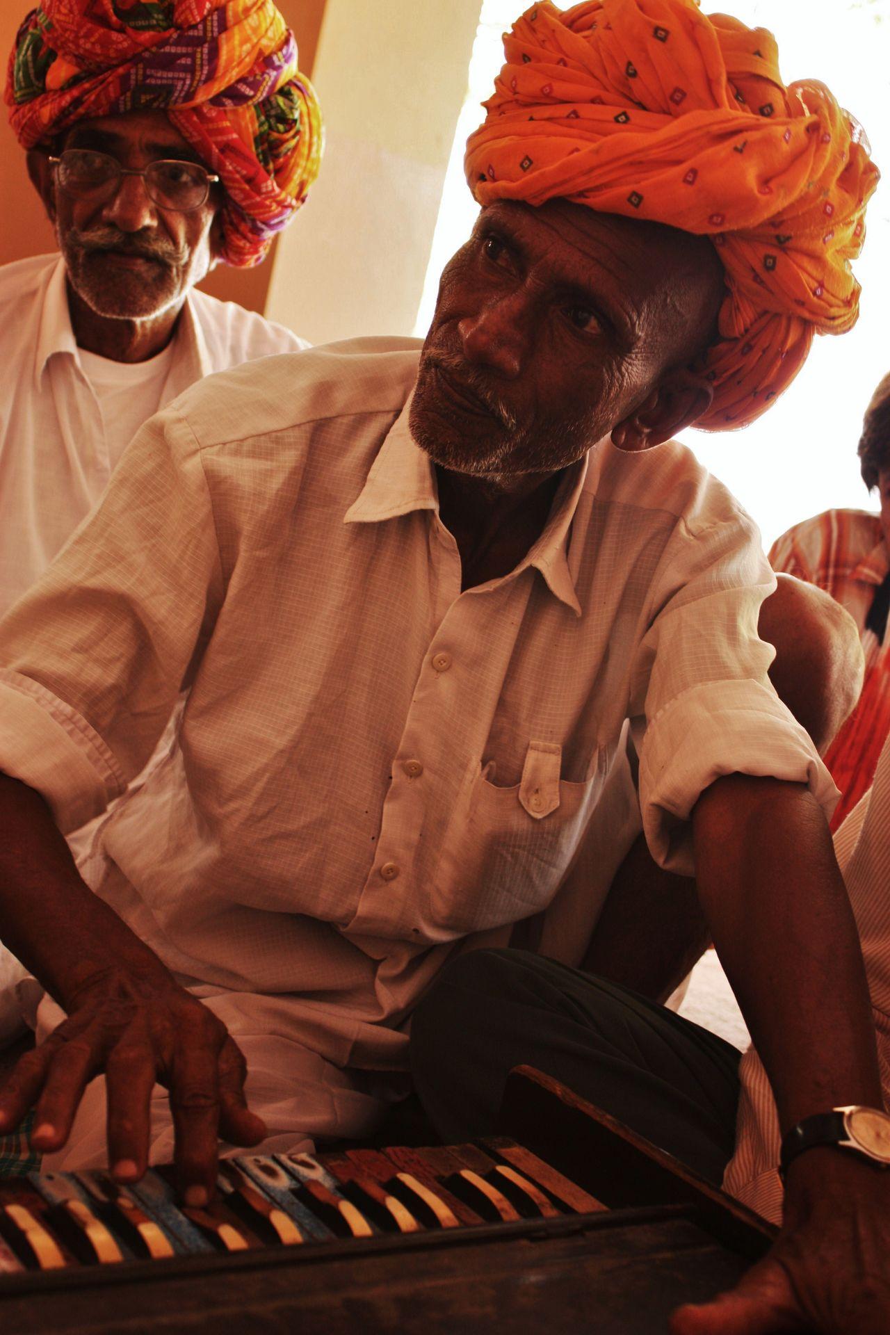 Art Harmonium Inde India Indian Culture  Indian Musician Musician Musicien Musique Turban
