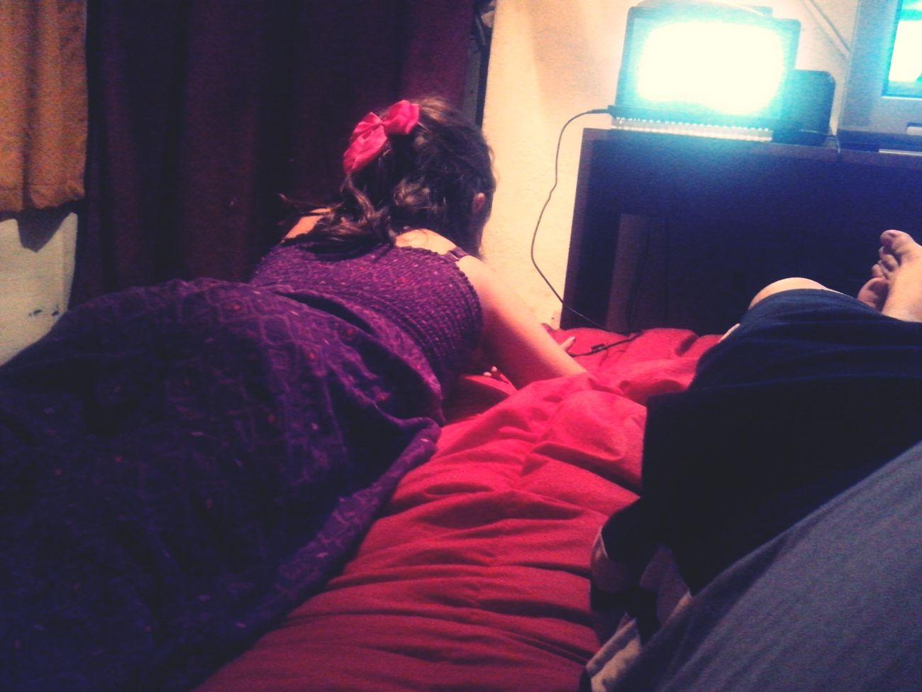 Con la goda ¡¡¡ escunchando violeta y mirando peliculas Relaxing HomeAlone Violeta Pepi Casa