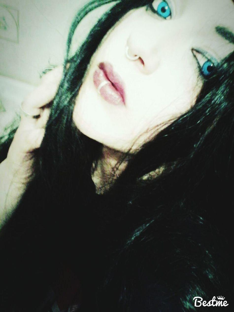 Me Hieveryone Funny Lovethewayyoulie First Eyeem Photo Wannaknowsomeone Boring Metalhead Metalgirl Blackmetal Blackmetalgirl \m/ First Eyeem Photo