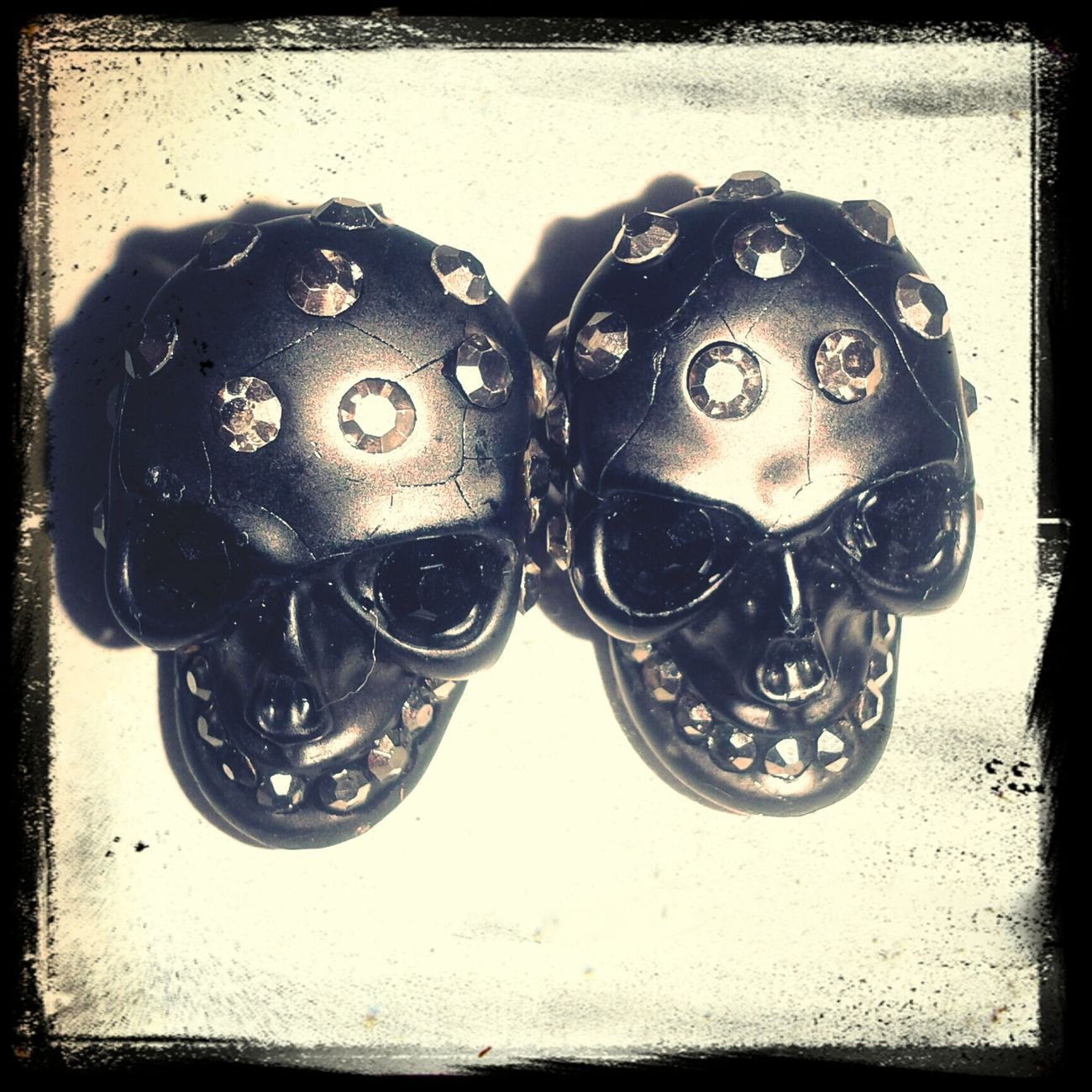 love this skull earings ♡♡♡