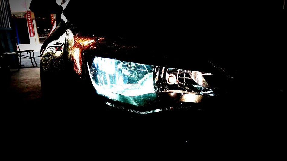 Technology Dark Opel Astra Xenon Light