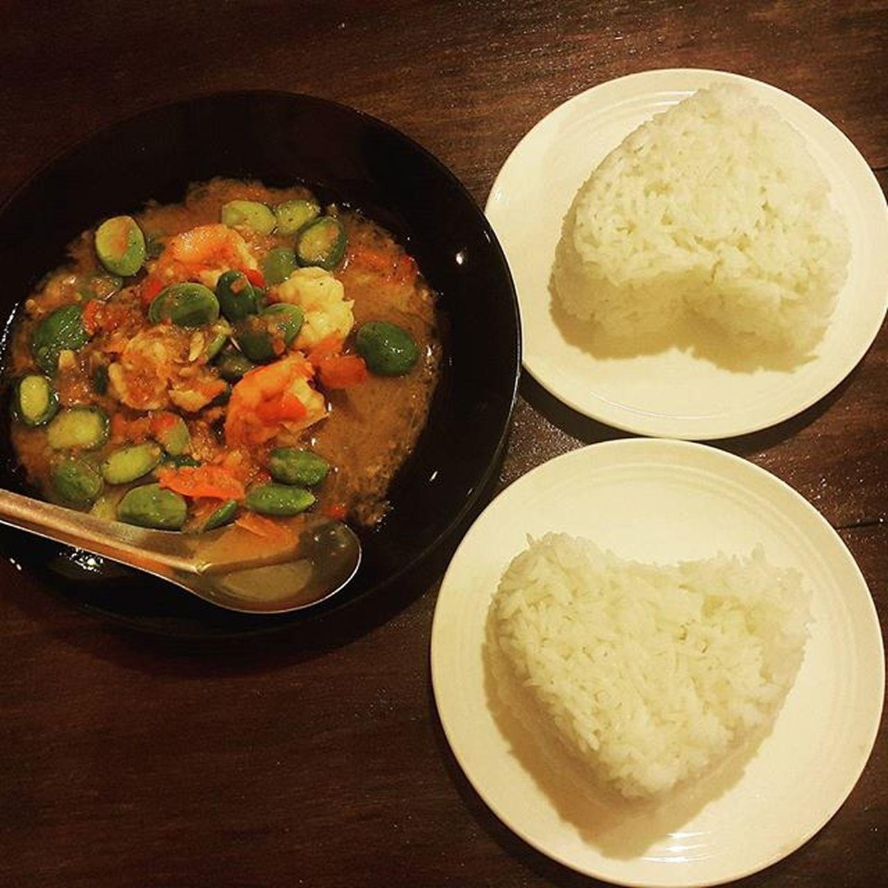 วันศุกร์ ต้องมีหัวใจสองดวงมารวมกันแบบนี้เนอะ ♡♡ สะตอ สะตอกุ้งผัดกะปิ Southernthaifood Shrimp paste fried Sato .โพสภาพอาหารเรียกน้ำย่อยสักหน่อย ;p