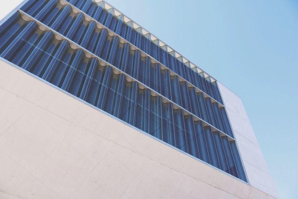 Architecture Architecture_collection Wall - Building Feature Sun Bright Glass Clear Clean VSCO EyeEm Best Shots Window Modern Building Exterior Low Angle View Tall - High Day City Life Porto, Portugal Check This Out Showcase September Eye4photography  Hanging Out Neat Places Building Stadt