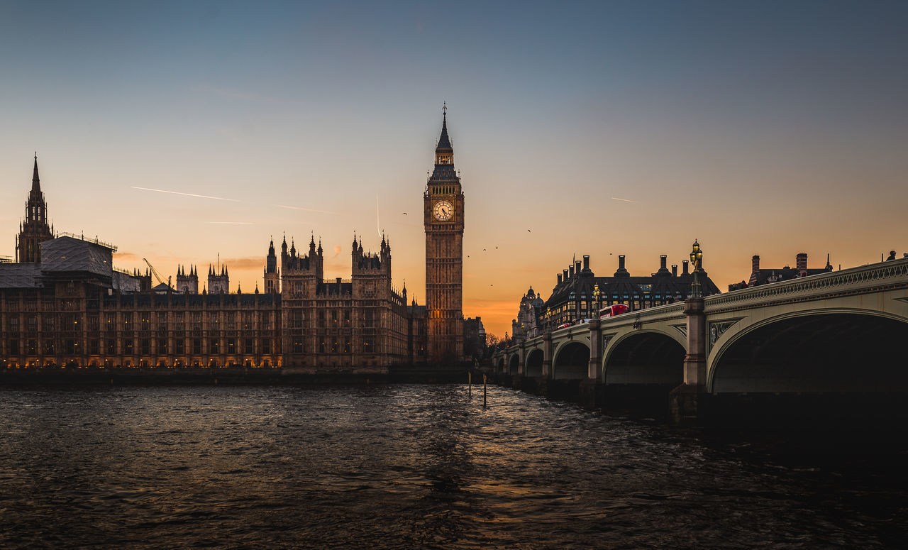 Travel Destinations Sunset Travel City Architecture History Tourism Clock Tower Outdoors Politics And Government London Big Ben Elizabeth Tower Westminster Sky Architecture EyEmNewHere