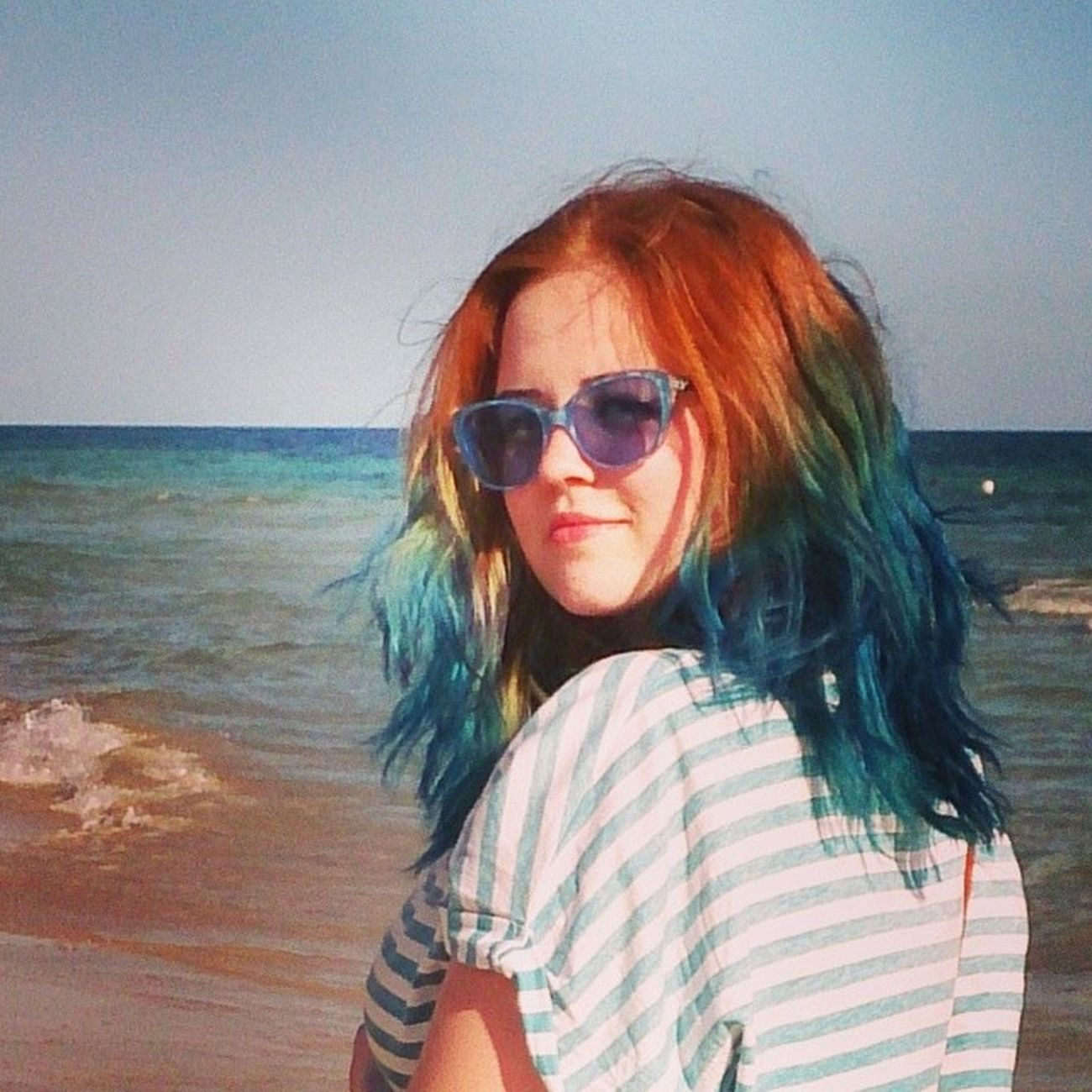 Torre Pali Italia Vacanze polishgirl blue red hair blue glasses