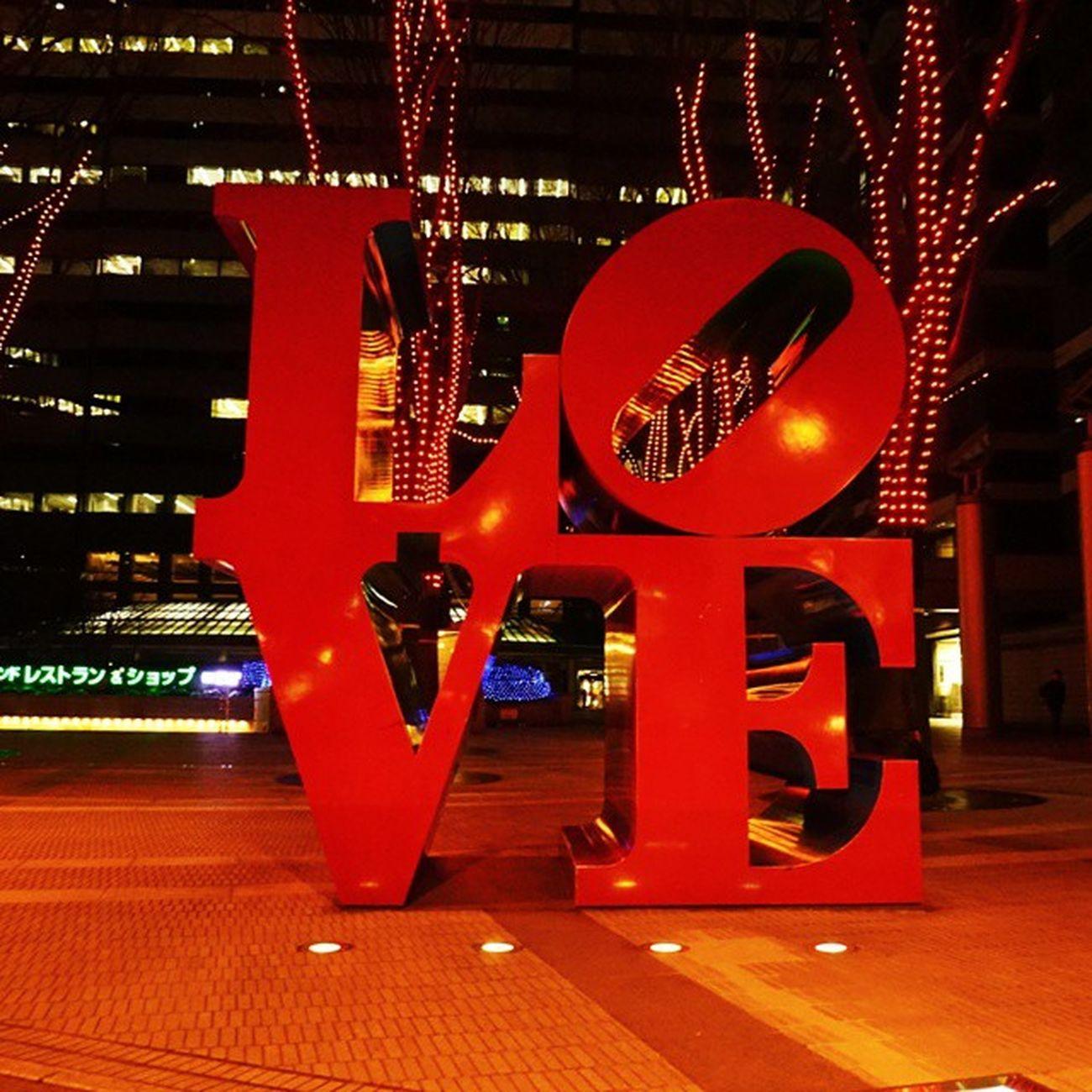 今日はいちだんと紅いLove Vscocam Tokyo Shinjuku Stvalentinesday
