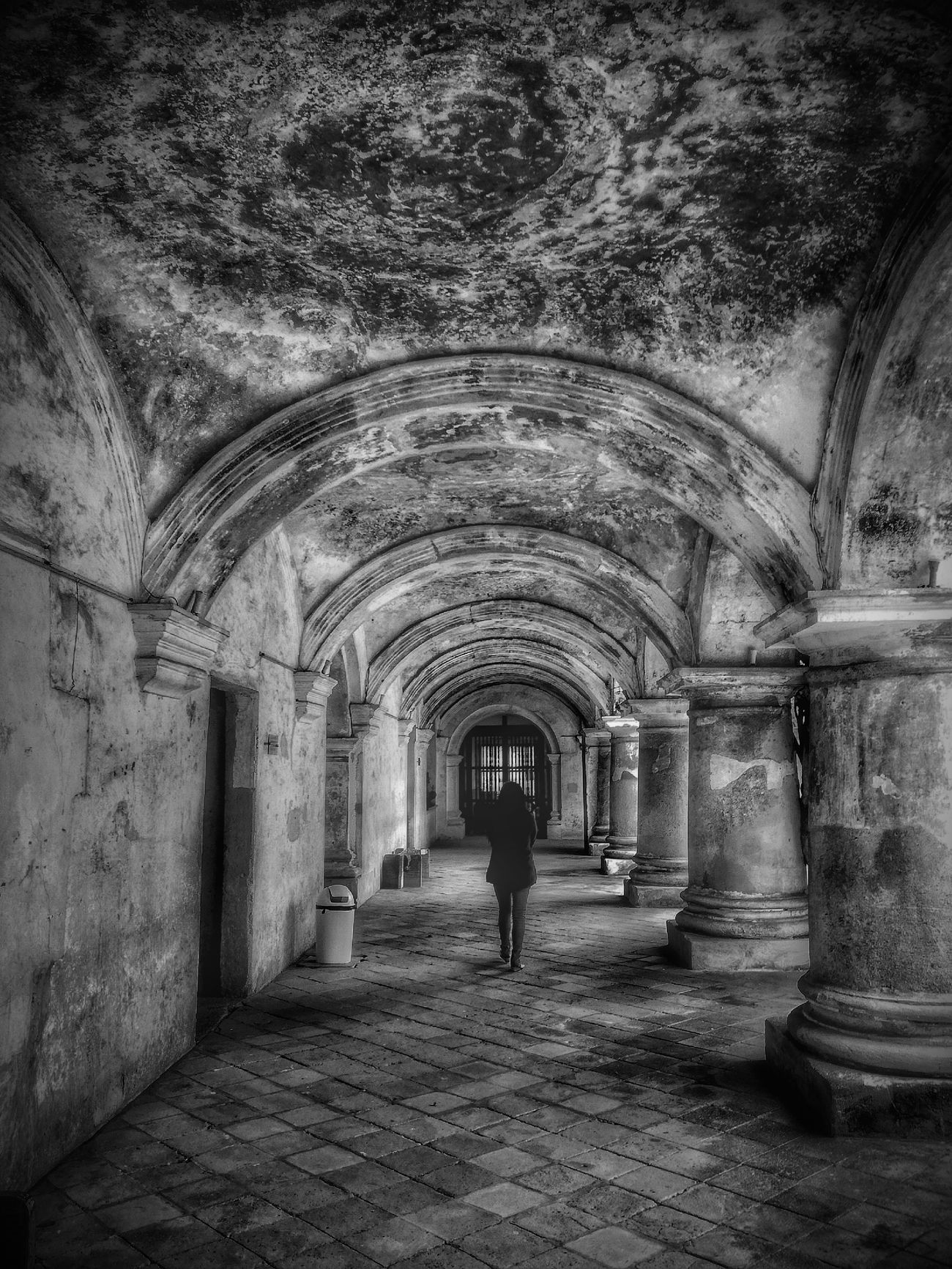 Arch The Way Forward Indoors  One Person Tunnel Architecture Woman Of EyeEm Woman Walking Black & White Photography Black & White Black And White Collection  MonochromePhotography Monocrome Design Black And White Monochrome Popular Photos Old Ruin Old House Old Architecture One Woman Only Model Photography Model Girl Best Shots EyeEm Best Of EyeEm Walking Alone...