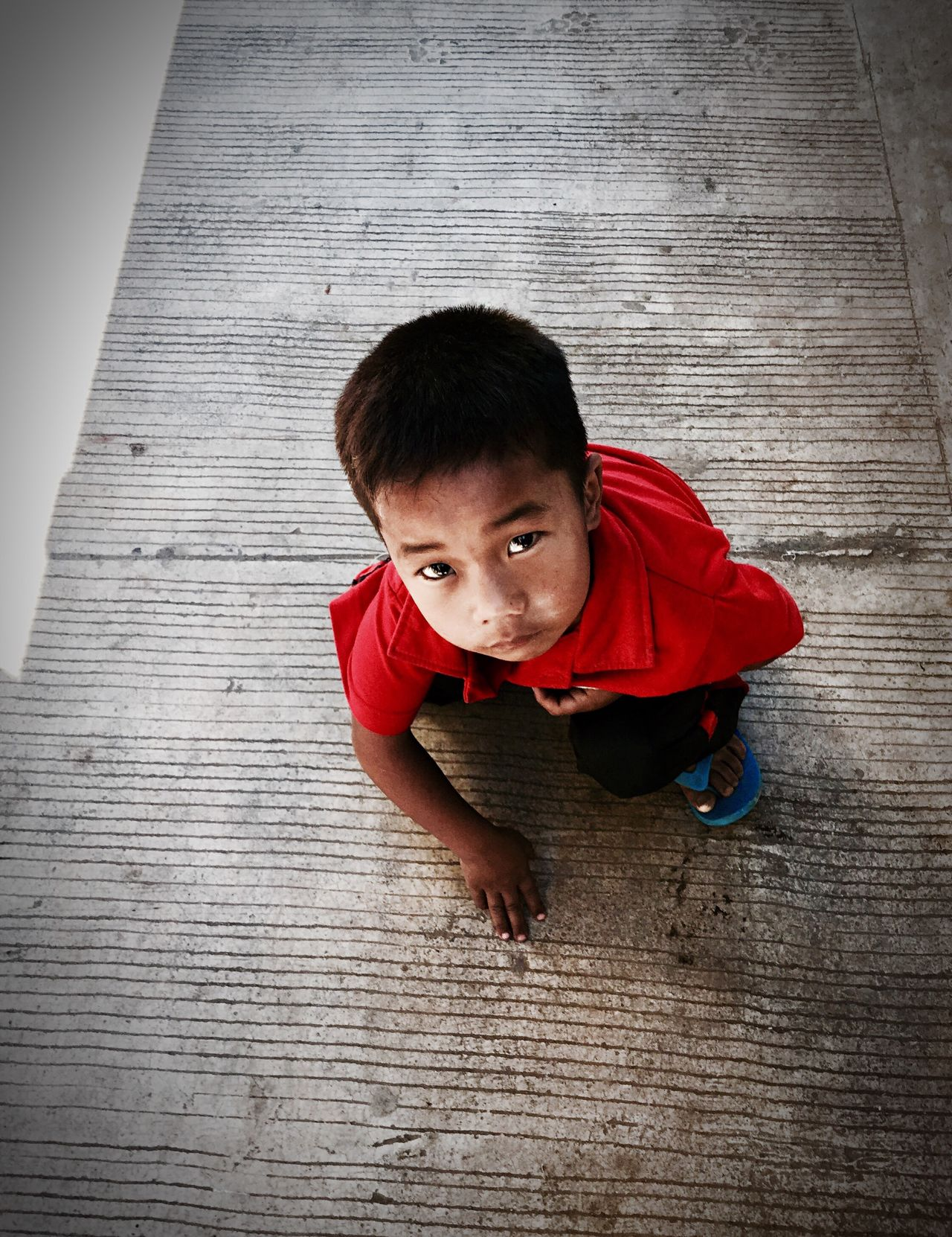Beauty and simplicity Child Childhood Portrait Children Only Real People Streetphotography Ontheroad Philippines People Around The World