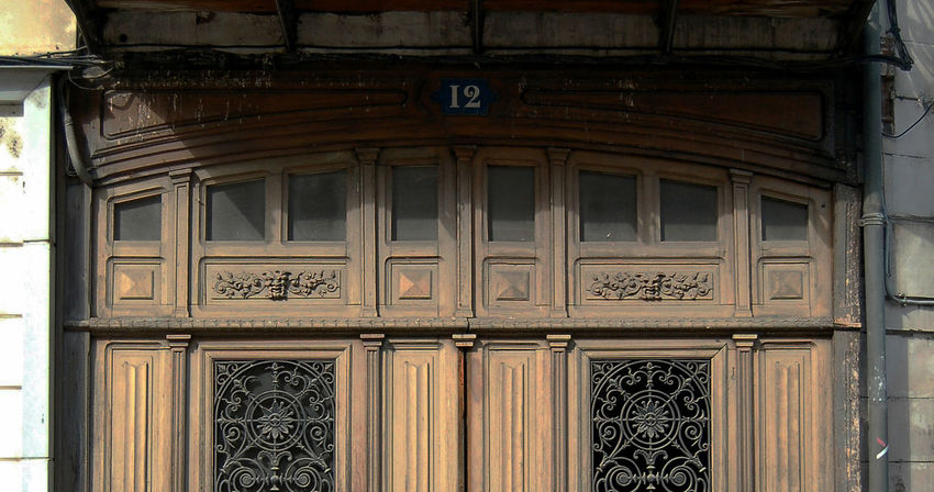 12 Bois Closed Door Entrance Entree House No People Portail Wood Wood - Material