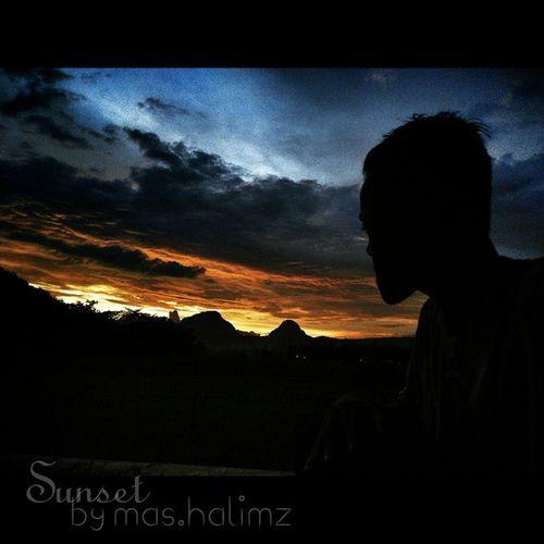 Ini lukisan Tuhan.... Beautiful sky.. Sunset B) 👍👍✌😎📷 Me Mycapture MyGallery Sunset sky cloud beautiful amazing sore evening redmi1s xiaomiclick TagsForLikes TFLers tagsforlike instashare instapic instagood instafamous follow like4like likeforlike l4l f4f follow4follow hunting