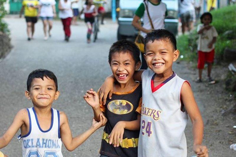 Innocent smile Cebu Philippines Mactan Kids Children Innocent Play Happy Smile Adventure Travel Trip Backpacking 필리핀 세부 막탄 Local People 아이들 동심 배낭여행 여행 동남아 DSLR ASIA asian
