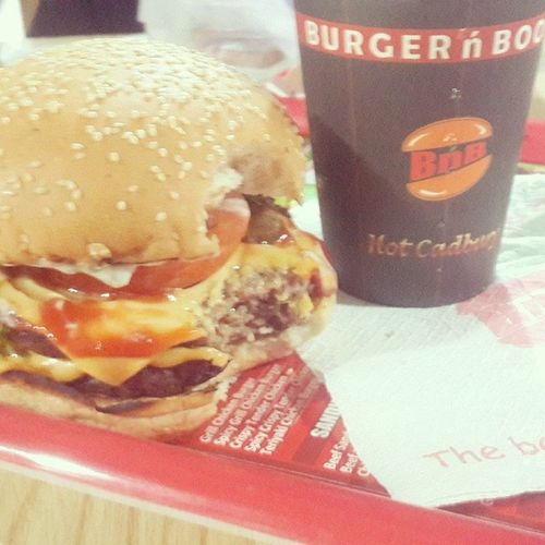 Burgernboost Lunch Instafood Hangout goodday instashare ighub instalike yumm