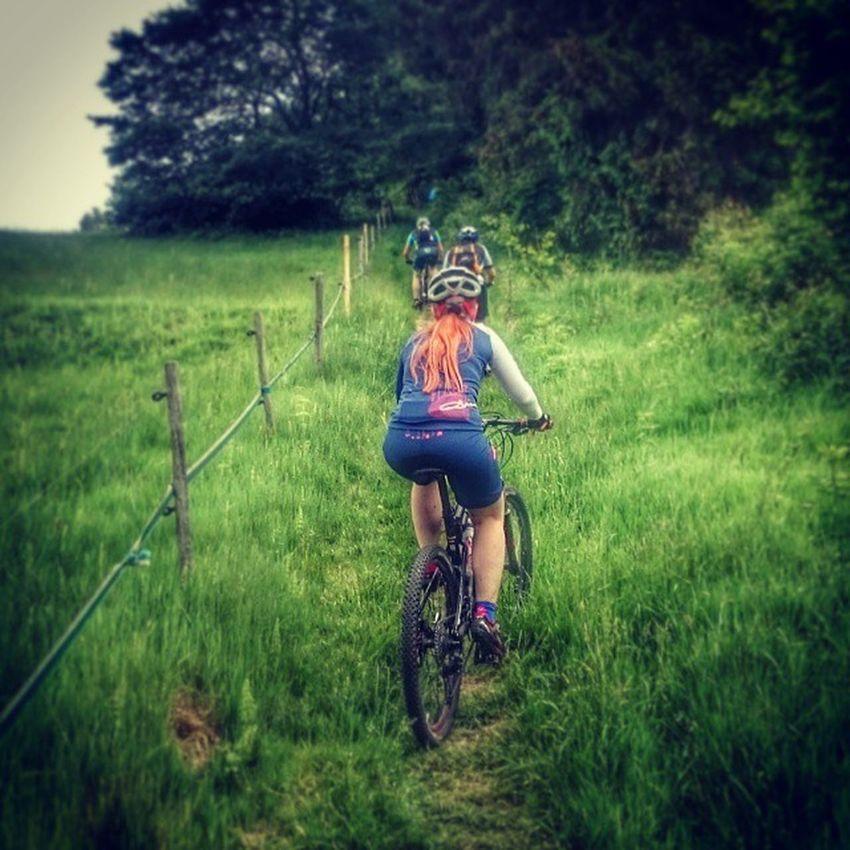 Mtbgirl Mountainbikelife Cycling Qloom qloombikewear czechrepublic trailday scott2luvit loves_scott_bikes