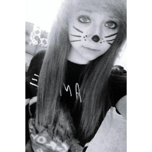follow my Instagram: hey.its.anna.cx Follow Me On Instagram Selfie Kitty Scene Girl Scene Emo Emogirl Emohair Cute Cuteteen