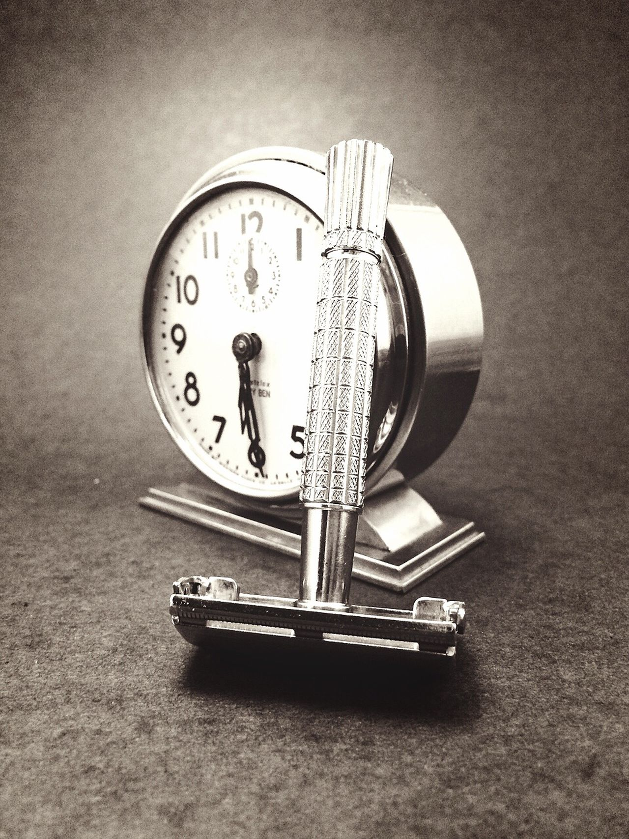 Clock Etsy Razor Vintage Black And White RRelix