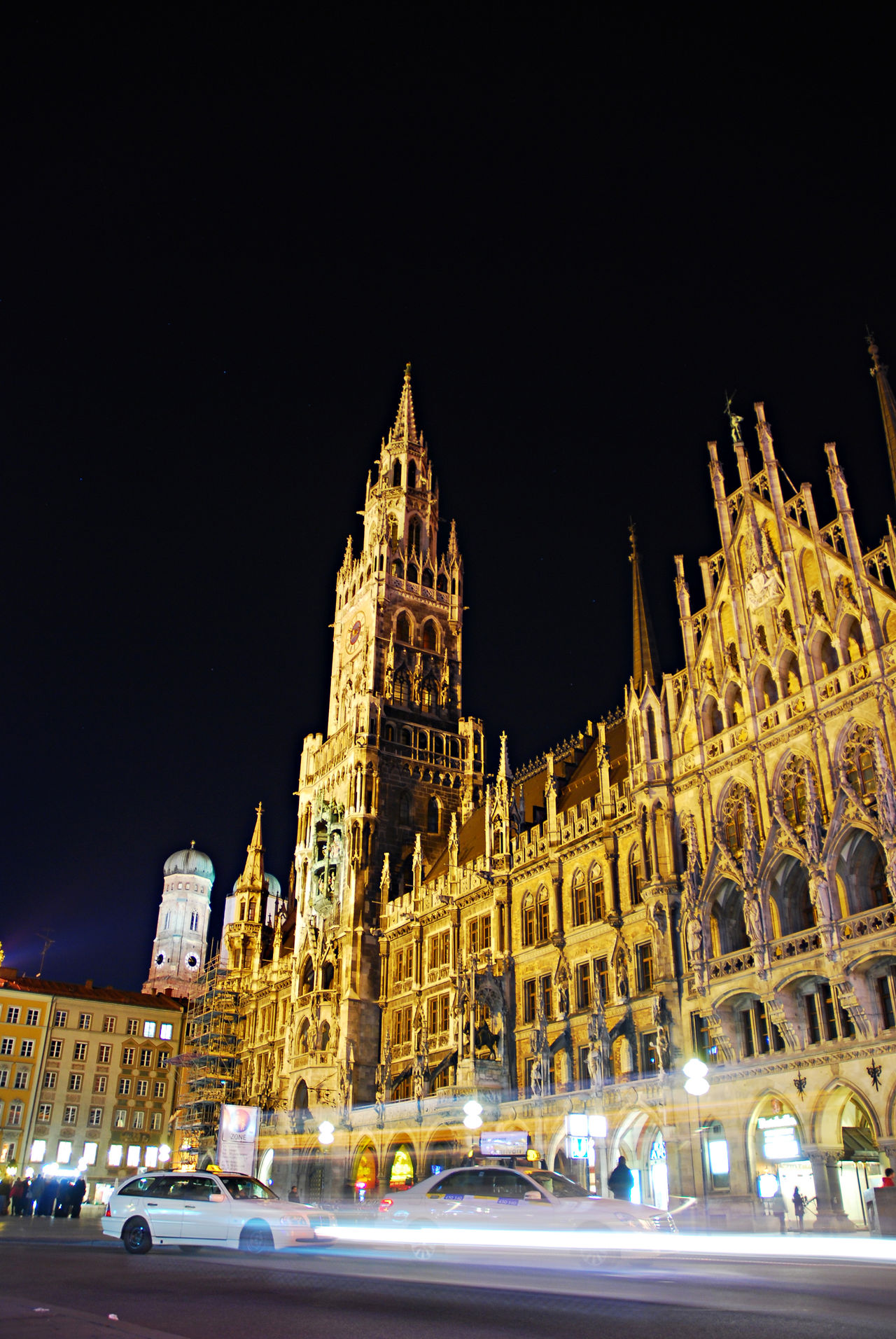 #Marienplatz #münchen  Architecture Building Exterior Built Structure Capital Cities  City City Life City Street Illuminated Land Vehicle Mode Of Transport Night No People Outdoors Parking Sky Tall - High Tourism Travel Destinations