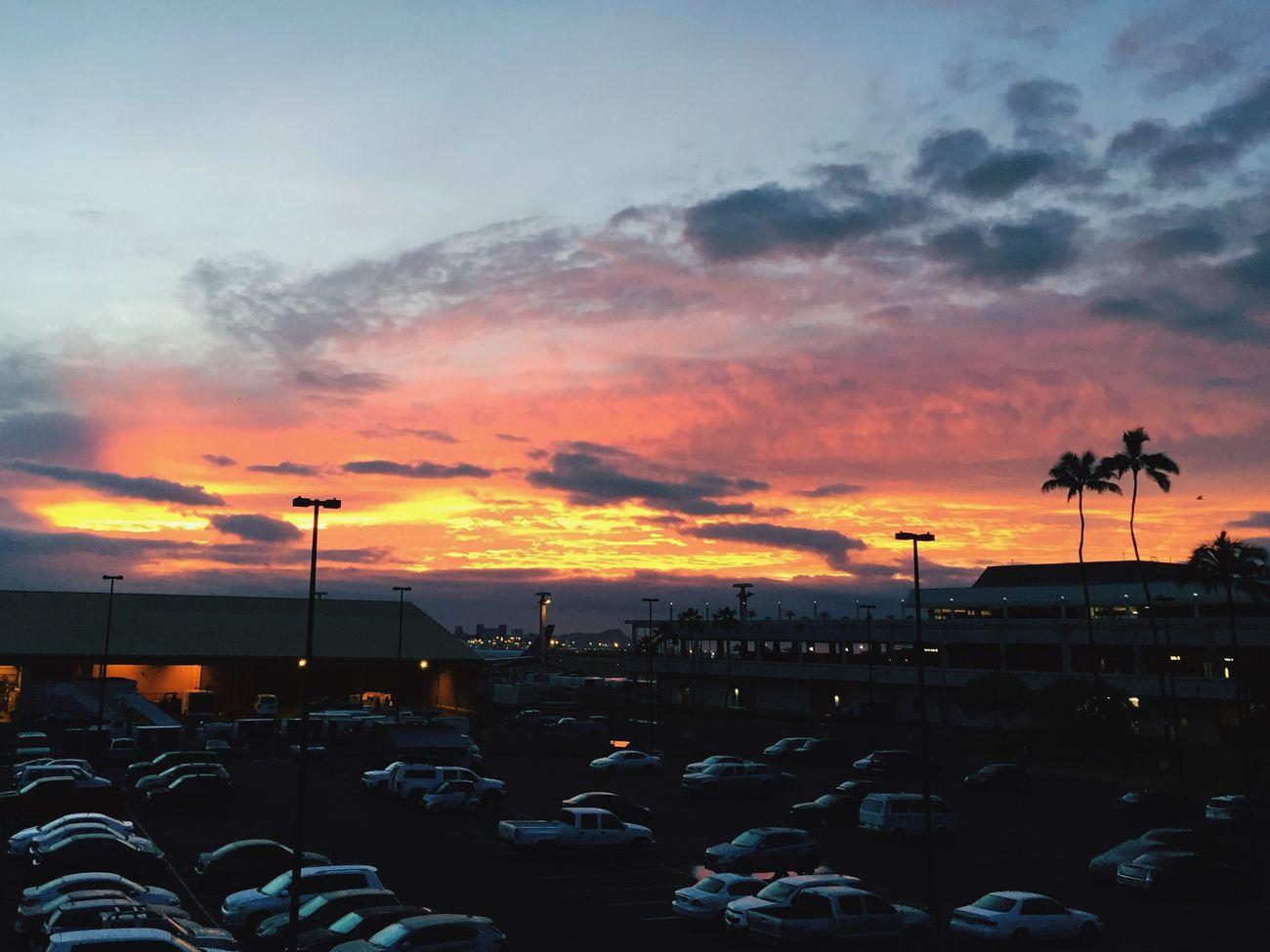 Sunrise Honolulu  Airport The sunrise when we left paradise💛