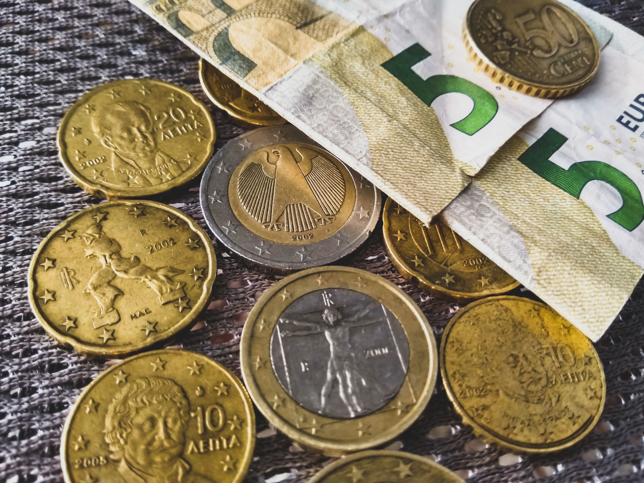 Finance Currency Gold Colored No People Close-up Indoors  Full Frame Gold Day Coin Money Euro Euro Coins European Union Euro Currency Five Euro Two Euros Coin 50 Cent  20 Cent 2 Euro 1 Euro Currency European Central Bank EyeEm Best Shots Beauty In Nature
