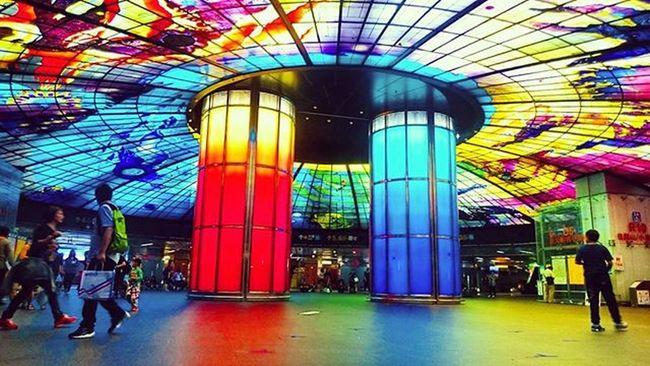 Một trong những ga tàu đẹp nhất thế giới Formosa Cao Hùng Formusa Kaohsiung Taiwan Station Beautiful Great