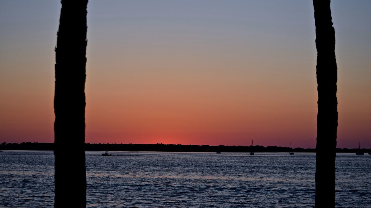 People watching the sunset at Dunedin Marina in Florida. #sunset #sun #clouds #skylovers #sky #nature #beautifulinnature #naturalbeauty #photography #landscape Dunedin Dunedin, Florida Florida Sunset Nature Outdoors People Watching Sunset Sunset Tranquility